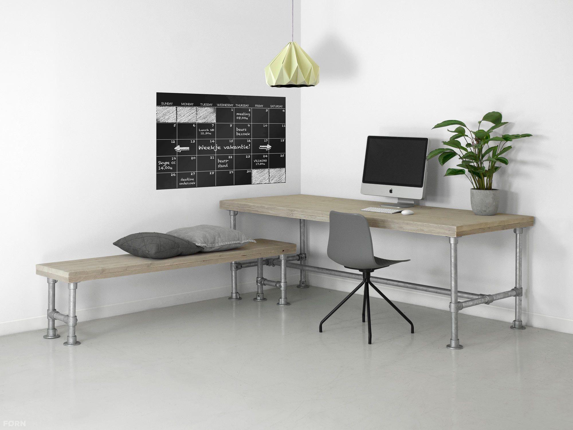 bauholz b ro mit untergestell aus ger strohren maurice. Black Bedroom Furniture Sets. Home Design Ideas