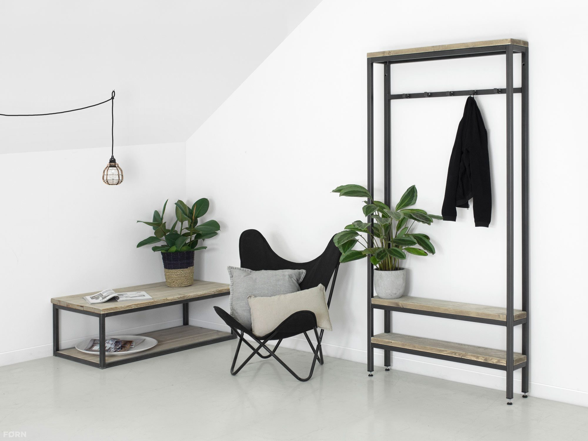 industriedesign garderobe hans. Black Bedroom Furniture Sets. Home Design Ideas