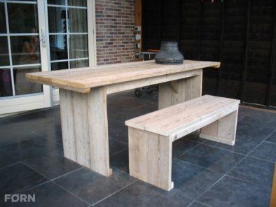 Bauholz Gartentisch