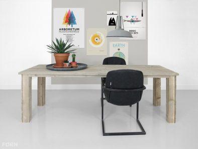 Bauholz Tisch