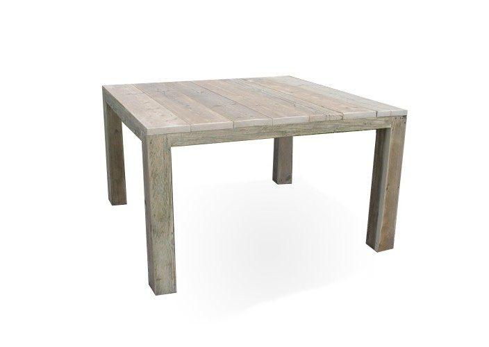 Viereckiger Tisch aus Bauholz