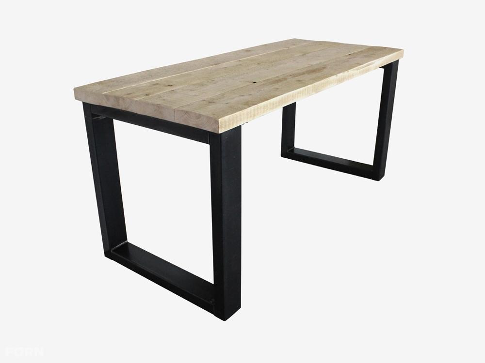 Industriedesign Tisch Mit Untergestell Aus Stahl Industriedesign Mobel
