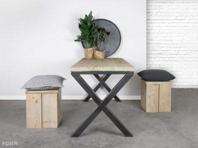 Tisch Industriedesign X-Tischbeine