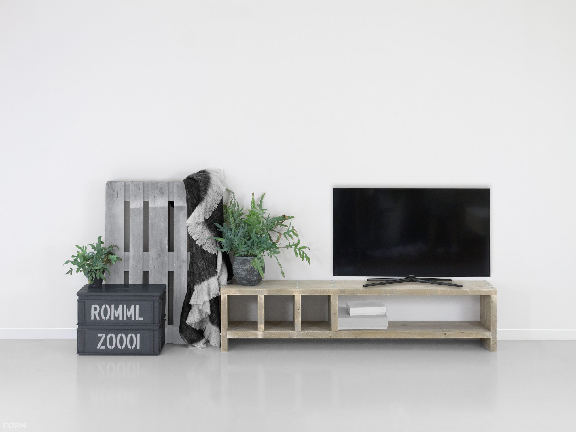 bauholz tv lowboard martin. Black Bedroom Furniture Sets. Home Design Ideas