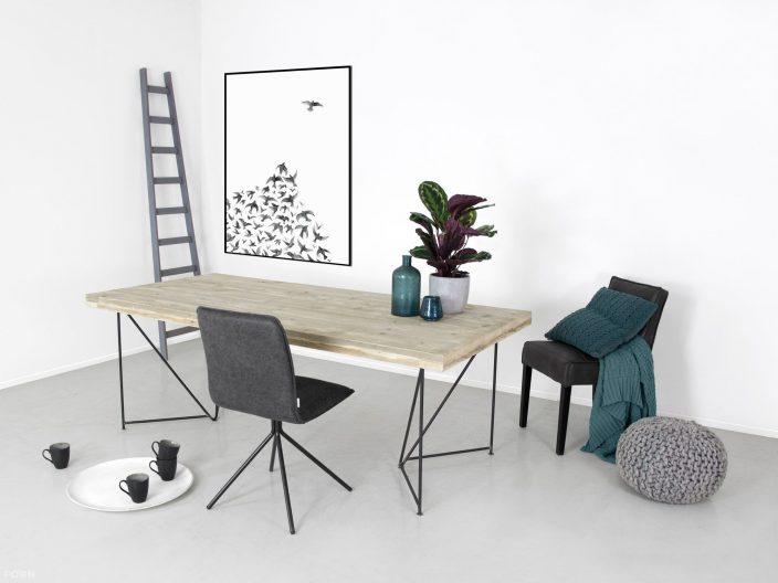 Industriedesign Tisch Dille mit Stahlgestell